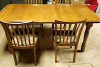 Solid Wood Table and Chairs. Good condition. Natural Finish. Brampton, L6V