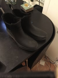 Black Rainboots