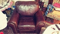 Great big genuine leather chair Alexandria, 22305