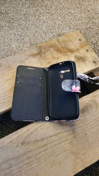 Cell phone wallet Milwaukie, 97222