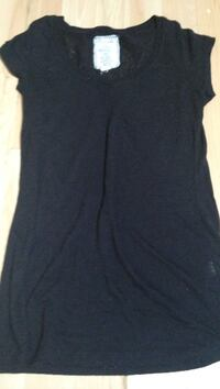 black scoop-neck sleeveless shirt Winnipeg, R2C 2M6