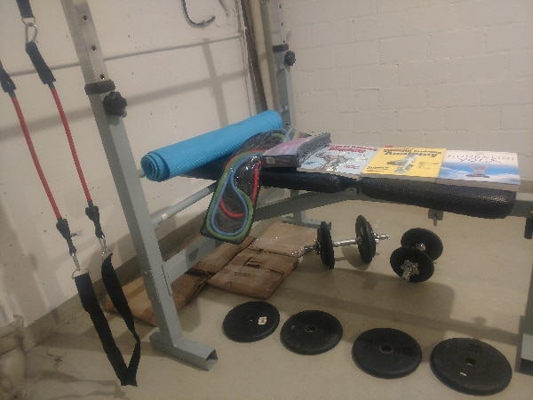 Weight Bench and Olympic Bar/Weights