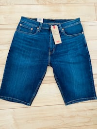 Brand New Levis 505 shorts size 33