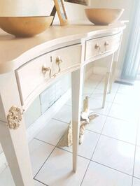 Vintage grand console table Markham, L3T 6V6
