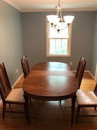 Solid Wood Dining table w/4 chairs Annandale, 22003