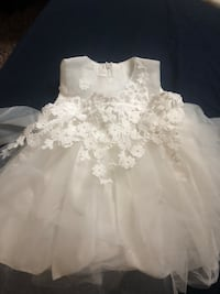white floral lace sleeveless wedding dress Kansas City, 66104