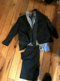 Moore's suit  Langley, V2Y 1V4