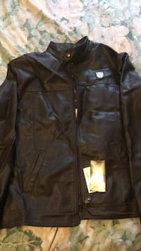 black leather zip-up jacket Торонто, M6M 2E5