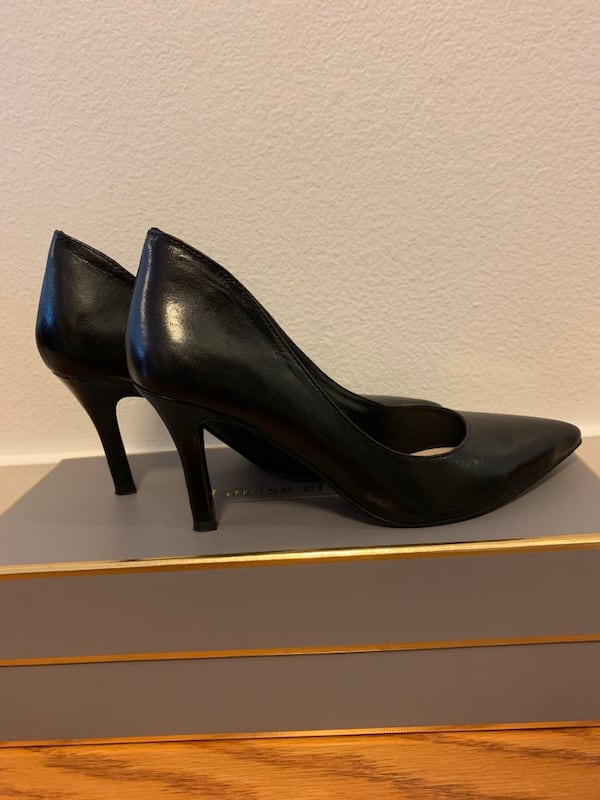 Nine West Black pumps in size 5 BRAND NEW 2b1aa99a-7215-4e38-b1d0-f0cd2bde5de7