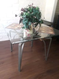 rectangular clear glass top table with white metal base El Paso, 79912