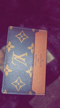 Lv card holder London, N6B 0G1