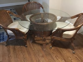 Wicker dinner table & chairs