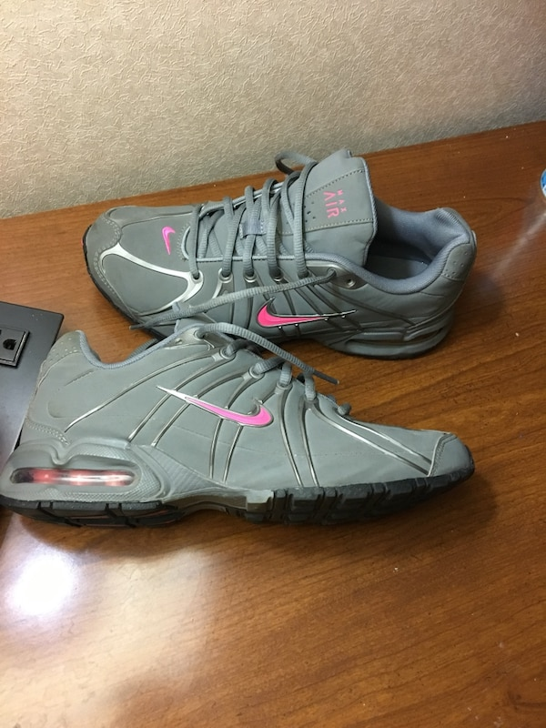 76de51181dc0b2 Used pair of gray-and-black Nike basketball shoes for sale in Warner ...