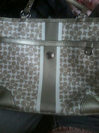 Authentic COACH PURSE VALUED AT $160  Coquitlam, V3C 2K7
