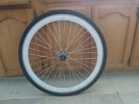 white and black bicycle wheel Los Angeles, 90003
