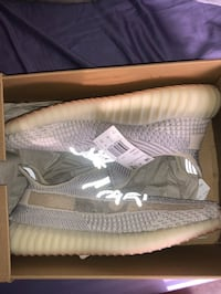Adidas yeezy boost 350 size 11.5 pick up only  New York, 10036