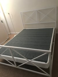 Queen sized bed frame and box spring Arlington, 22204