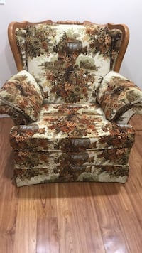 white and red floral sofa chair Brampton, L6P 2N2