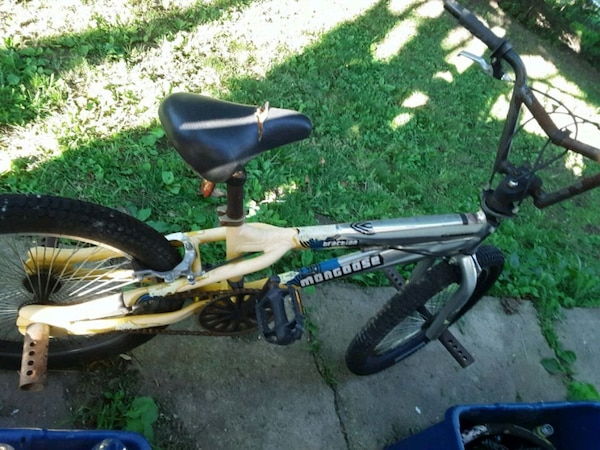 Mongoose trick bike for parts etc