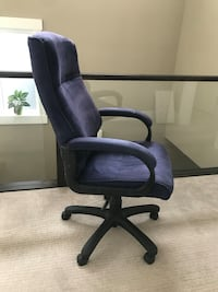 Black and purple rolling armchair must go. Best offer Calgary, T2M 2K7