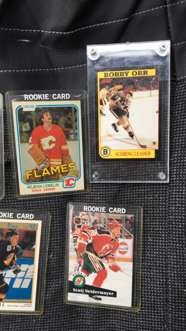 Seven nhl trading cards