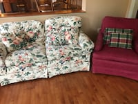 Very well made couch barely used with throw pillows Rockville, 20850
