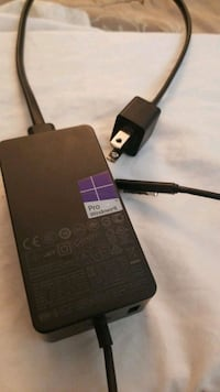 Surface pro 1 OEM charger Cambridge, N1R 5Z6