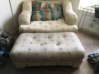 tufted white and blue floral sofa Upper Marlboro, 20772