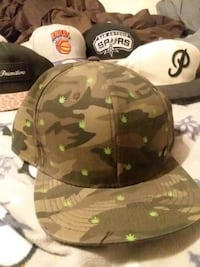 brown and green camouflage fitted cap Marion, 52302