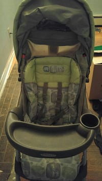 Graco buggy and carseat combo Hamilton, L8L 6R5