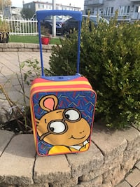 Arthur's kids luggage (moving need to sale) Laval, H7W 1P2