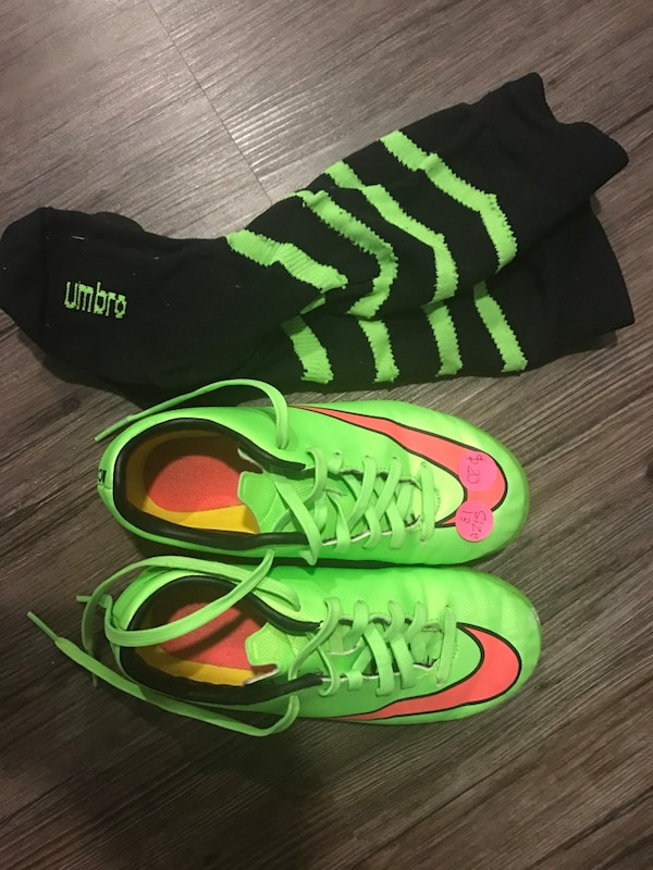 cd5cc8000 Used Green-and-pink Nike soccer cleats with pair of socks for sale in  Lafayette - letgo