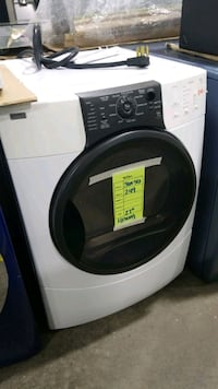 Kenmore electric dryer 27inches.  Hempstead, 11550