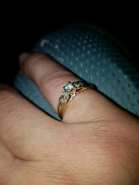 Gold and diamond solitaire ring St. Albert, T8N 2C5