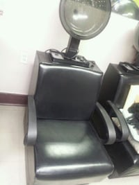 black leather padded salon chair Montréal, H1W 2S2