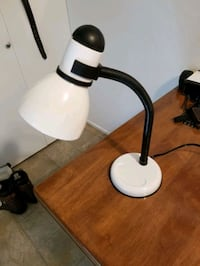 Desk lamp works perfectly Victoria, V9A 6A6