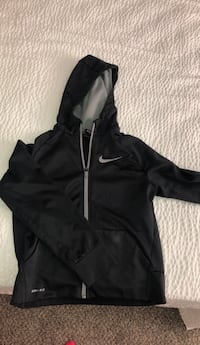 boys medium nike jacket Summerville, 29486