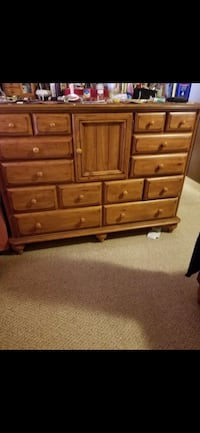 Real wood bedroom set (mattress not included) Hagerstown, 21740