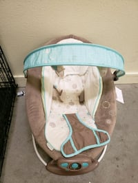 baby's white and blue bouncer 3248 mi