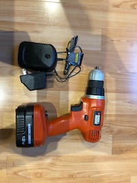 B&D drill in very good condition.