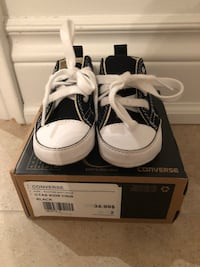 Brand new in box: Baby converse size 2 (3-6 months) 559 km