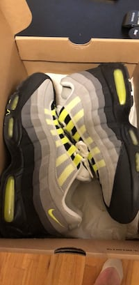 air max 95 neon sz 10 New York, 11360