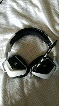 black and white wireless gaming headphones Vaughan, L6A 1C3