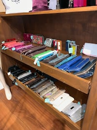 Wallets, Wallets and more Wallets!!! Milton, L9T 6R8