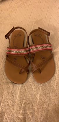 Shoes girls size 2 Palmdale, 93551
