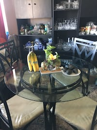 Dining table/ patio table with chairs Toronto, M3C 2Z2