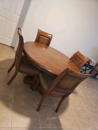 Dinning Room Table and Chairs Davie