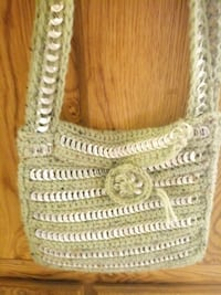 """Unquie purse w/can tabs weaved in 10""""x10"""""""