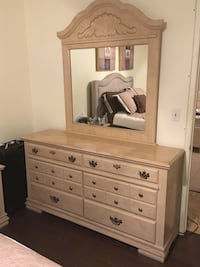 Wooden vanity with mirror Irwindale, 91706