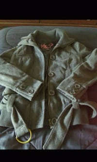 New girls small grey say what coat $8.00 Spartanburg, 29303